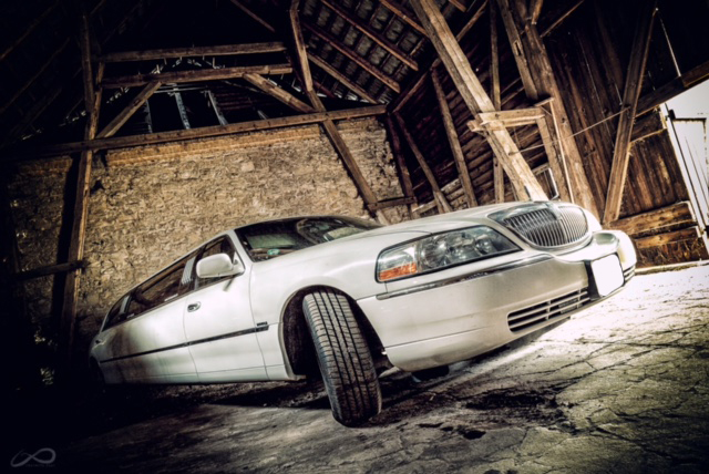 lincoln-towncar-limousine