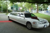 lincoln-towncar-stretchlimousine